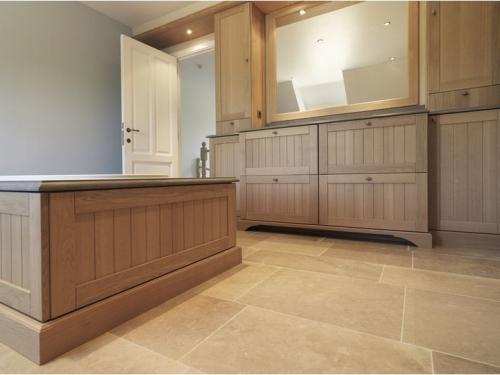 Badkamer meubels badkamer meubels ligro interieurs - Deco badkamer meubels ...